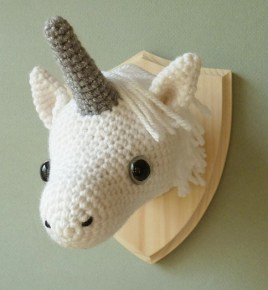 Trophée Licorne Creepy & Cute