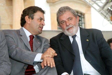 Governador Aécio Neves e o presidente Lula durante evento em Ouro Preto