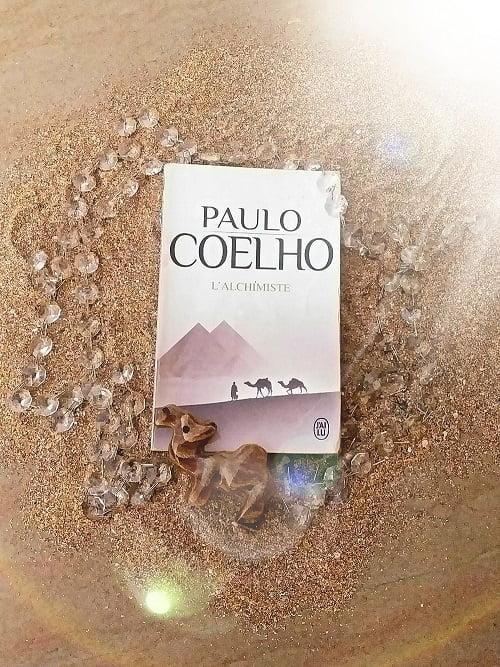 """L'Alchimiste"" de Paulo Coelho"