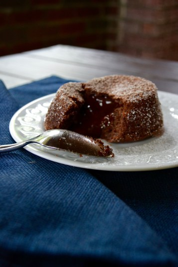 Chocolate Molten Cakes (www.mincedblog.com)
