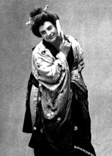Rosina Storchio in Madama Butterfly