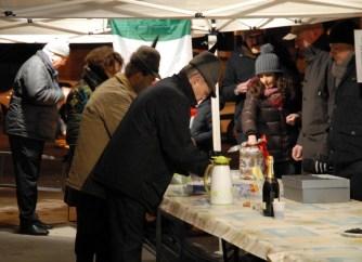 il vin brulè preparato dalla sez.alpini di Rivalta