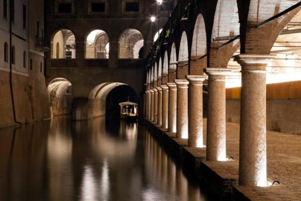 La-nuova-illuminazione-delle-Pescherie-di-Giulio-Romano-a-Mantova-foto-Gaia-Cambiaggi-.jpg