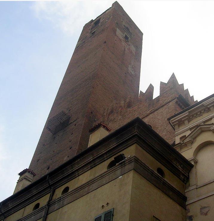 Torre_della_Gabbia,_Mantova