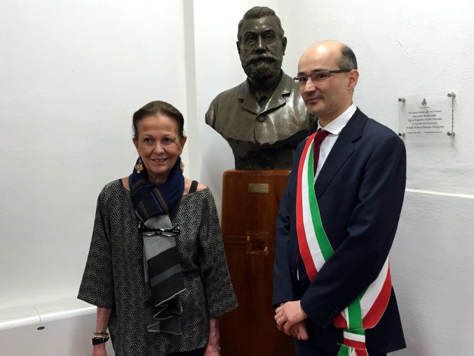 Angiolina Radici Perrotta e il sindaco Claudio Terzi.jpg