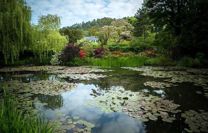 _EOS3-Painting-the-Modern-Garden_Monet_'s-Garden-Giverny-2-%A9-Seventh-Art-Productions,-David-Bickerstaff_preview.jpg