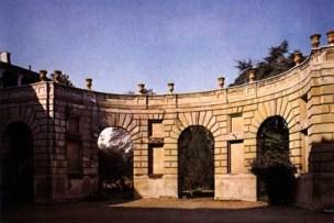 esedra di Palazzo d'Arco