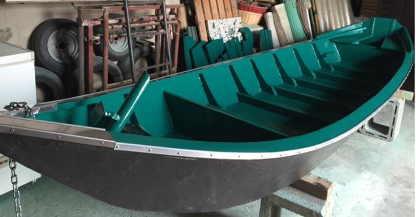 fase di riparazione della barca.3