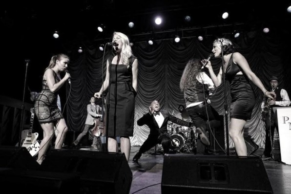 SCOTT BRADLEE'S POSTMODERN JUKEBOX 1
