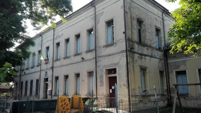 Centro civico Brugneto.jpg
