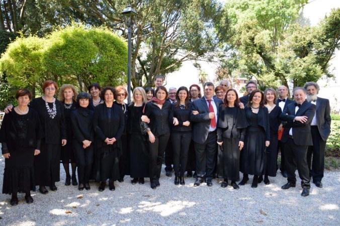 foto coro LIVIA D'ARCO.jpg