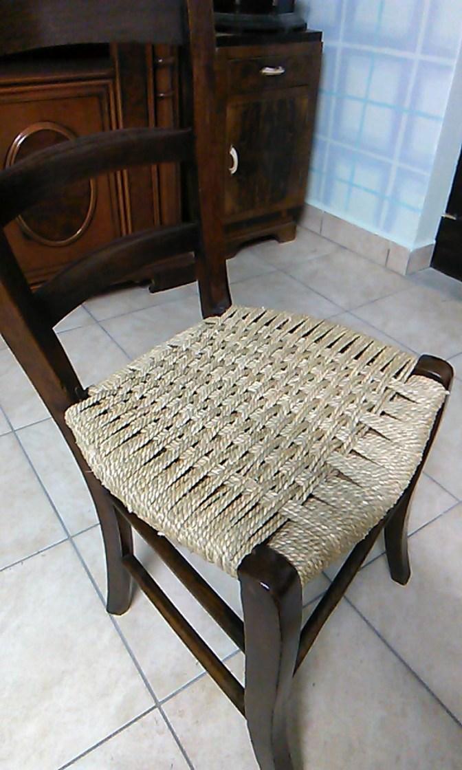 sedia impagliata con il cordino da Ivan Corniani
