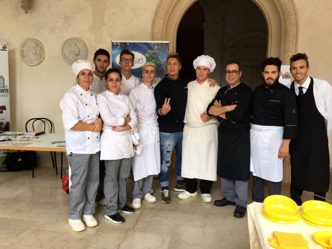 I ragazzi dell'alberghiero di Gazoldo protagonisti all'Expovo.rtf.jpg