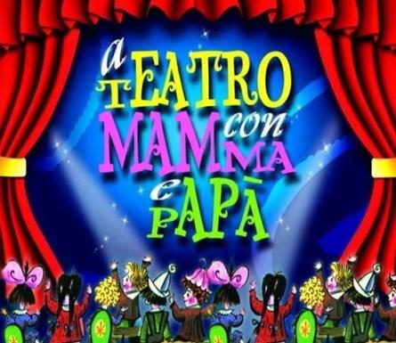 a teatro con mamma e papa'.jpg