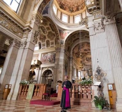 vescovo-marco-inizia-il-suo-cammino-a-mantova1