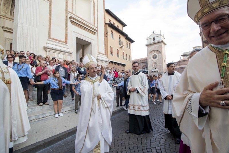 vescovo-marco-inizia-il-suo-cammino-a-mantova8