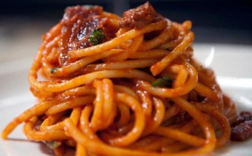 bucatini-amatriciana-ricetta-originale.jpg