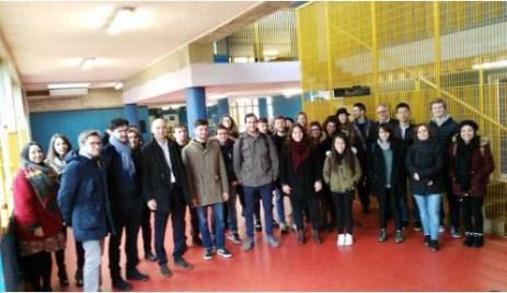 Caprini e Bucci tra gli studenti di Architettura.JPG