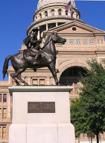 Texas_Ranger_monument_in_front_of_Texas_State_Capitol