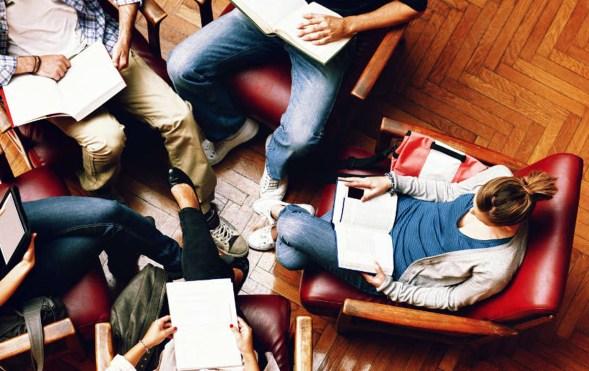 gruppo di lettura.jpg