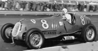 Foto-Tazio-Nuvolari su Alfa Romeo