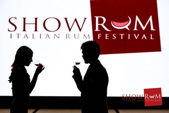 showrum 2016 silhouette.jpg