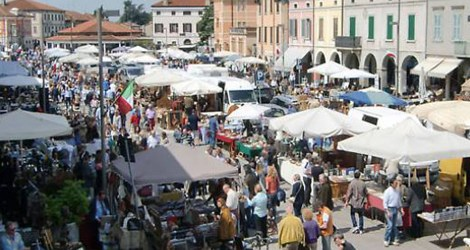 mercato dell'antiquariato.jpg