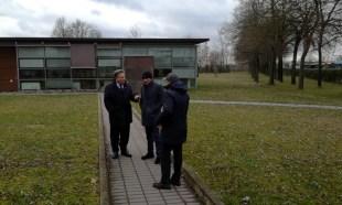 Lombardi - Trevenzoni e Medeghini all'esterno della sede APAM