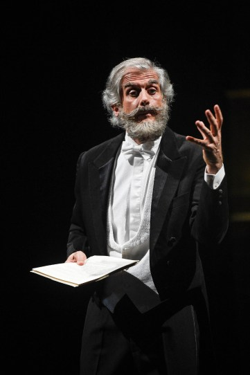 167 Massimiliano Finazzer Flory in _Verdi Legge Verdi_Credits Stefano Massè_-2.jpg