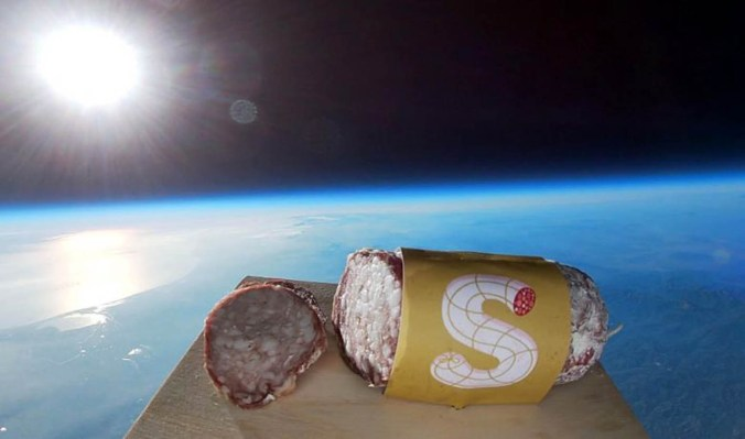 salame nello spazio.jpg