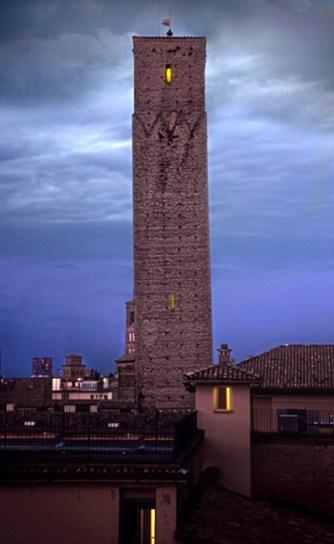 Torre_Prendiparte_di_notte.jpeg