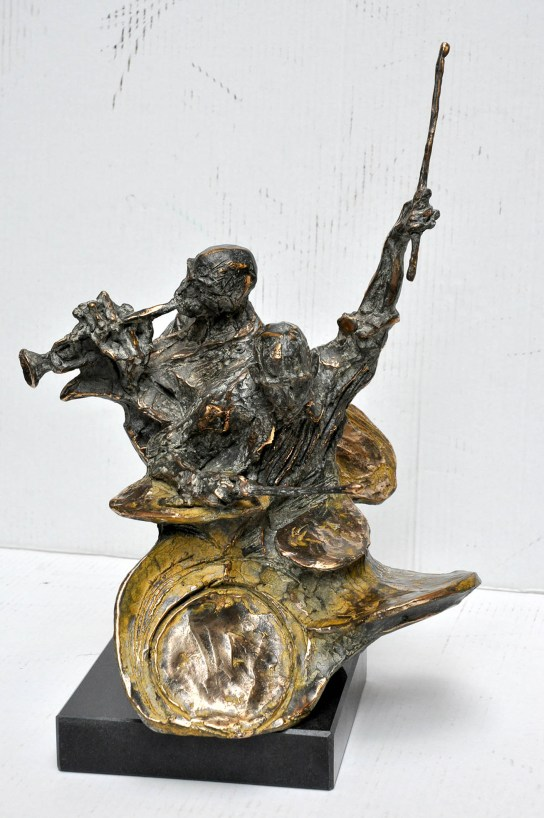 45 Jazz man, 2003, bronzo, cm 34.5x34x24.jpg
