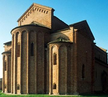chiesa romanica di S. Lorenzo a Pegognaga retro