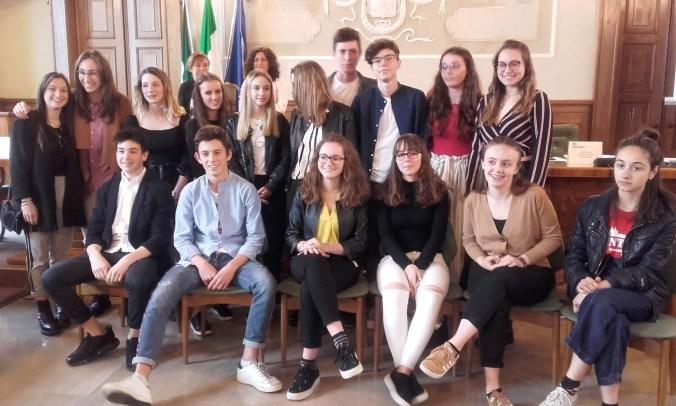 DA MANTOVA AL MONDO: 25 STUDENTI IN PARTENZA PER SOGGIORNI ...