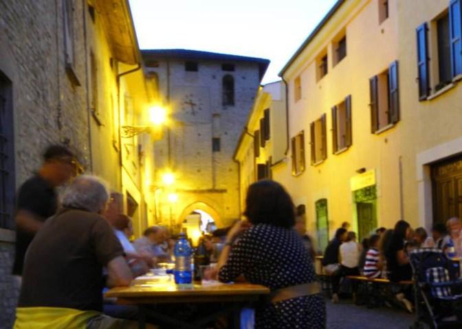 cena sotto le stelle in Via roma