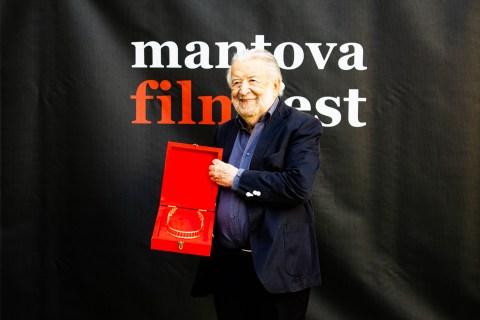 MNFF2019 PupiAvati Premio alla Carriera.jpg