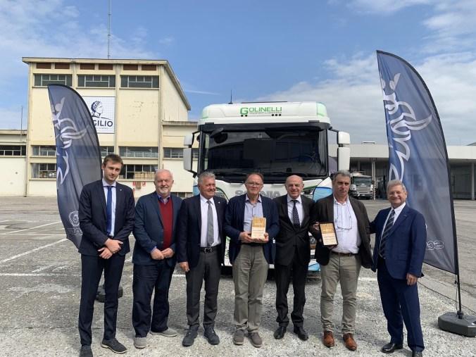 consorzio latterie virgilio - presentazione autoveicolo trasporto latte