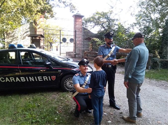 carabinieri traggono in salvo nonno e nipote