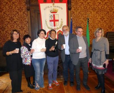 nella foto il vicesindaco Buvoli, l'assessore Martinelli e i vincitori