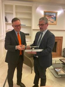 Tirana Palazzi e Ambasciatore Bucci