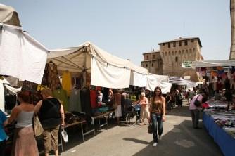 Mercato settimanale di Lugo (3)