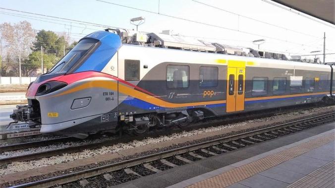 treno pop interno (2)
