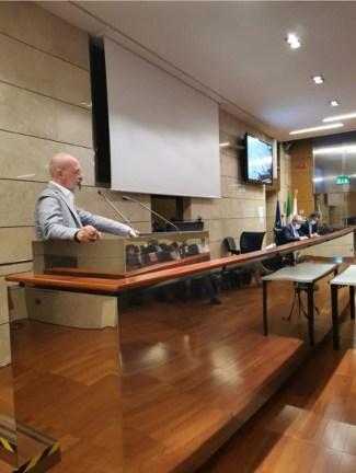 Bonaccini durante la consulta legalità