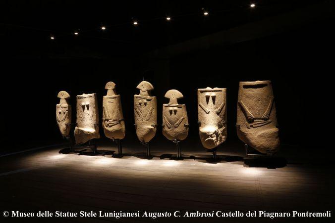 Castello-Piagnaro-Museo-Statue-Stele-Pontremoli.jpg