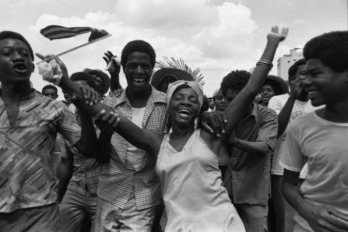Maria Eugenia Haya. Marcha del pueblo combatiente series. 1980. Courtesy of Maria Garcia Haya and Catalogo de Fotografas Cubanas