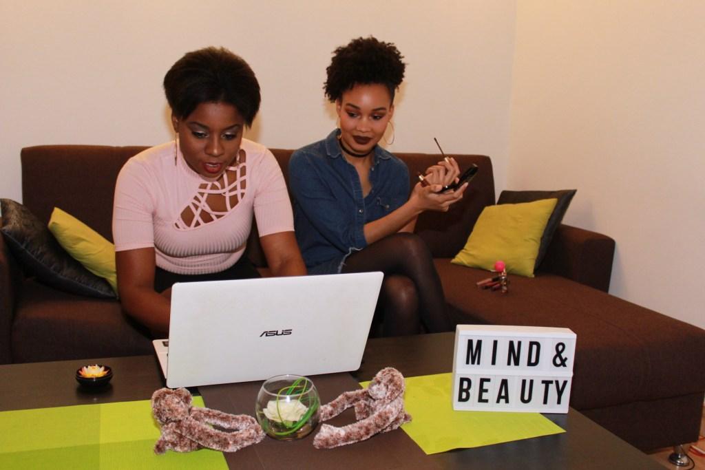 Miimy & Tia en mode Working Girls