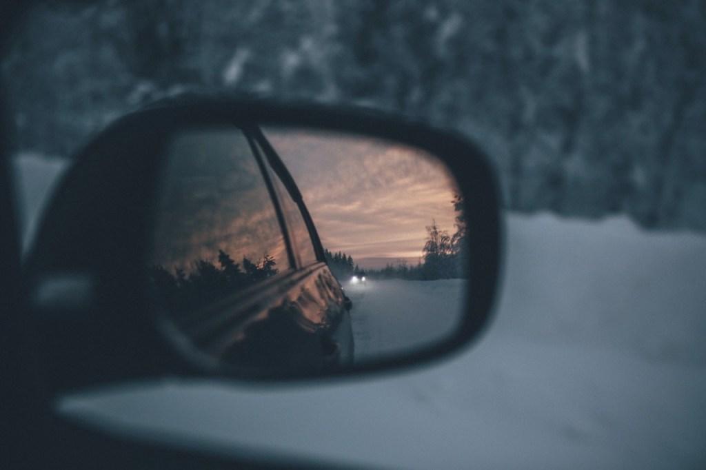 Mindandbeauty - Ruminer le passé, regarder dans le rétroviseur