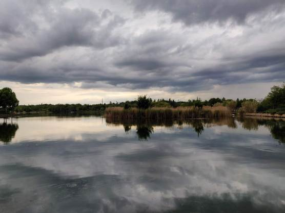 Reflets des nuages sur le lac