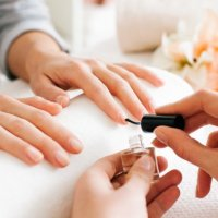 How To Get A Safe Manicure: What To Look For & What To Avoid