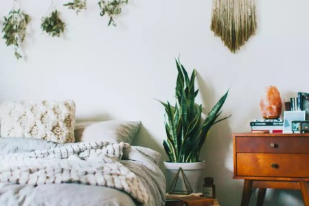 Feng Shui For Your Bedroom 101   mindbodygreen Photo  Kristian Lynae Irey